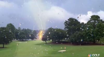 piorun uderzył w pole golfowe