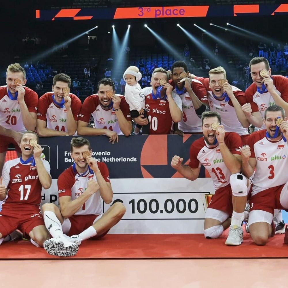 polska z brązowym medalem