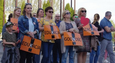 nauczyciele wznawiają protest