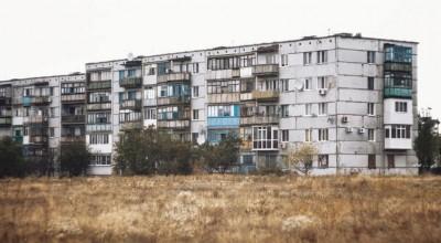 Prawie połowa młodych Polaków mieszka z rodzicami