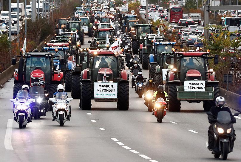 rolnicy sparaliżowali paryż