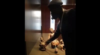 Wynieśli rzeźbę z muzeum