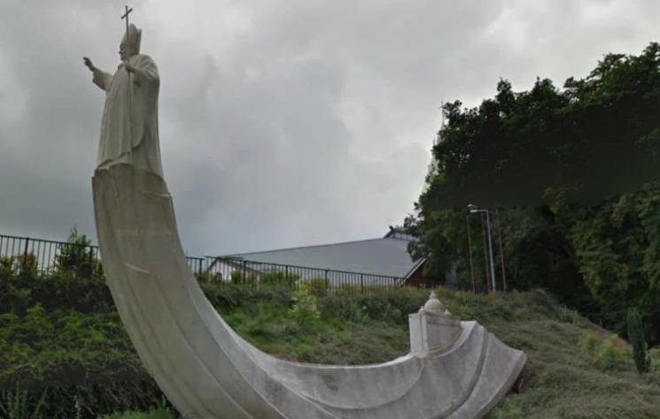 Najgorsze pomniki Jana Pawła II