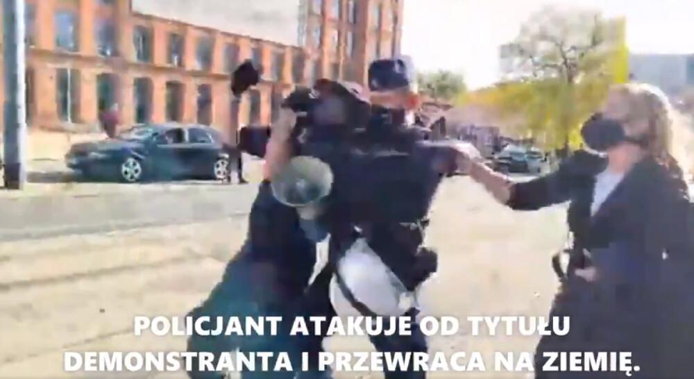 policjant vs demonstrant