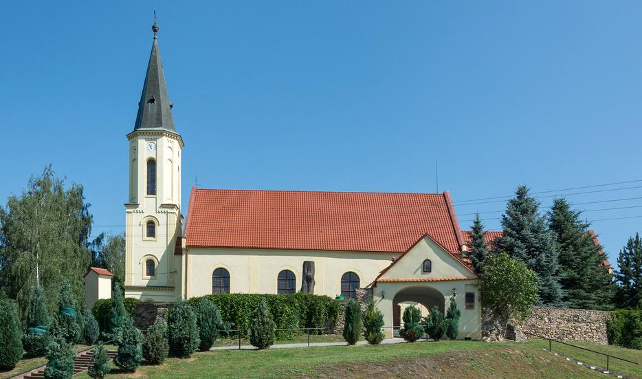 polacy chcą zamknięcia kościołów