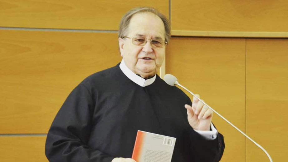 Ojciec Tadeusz Rydzyk jednym
