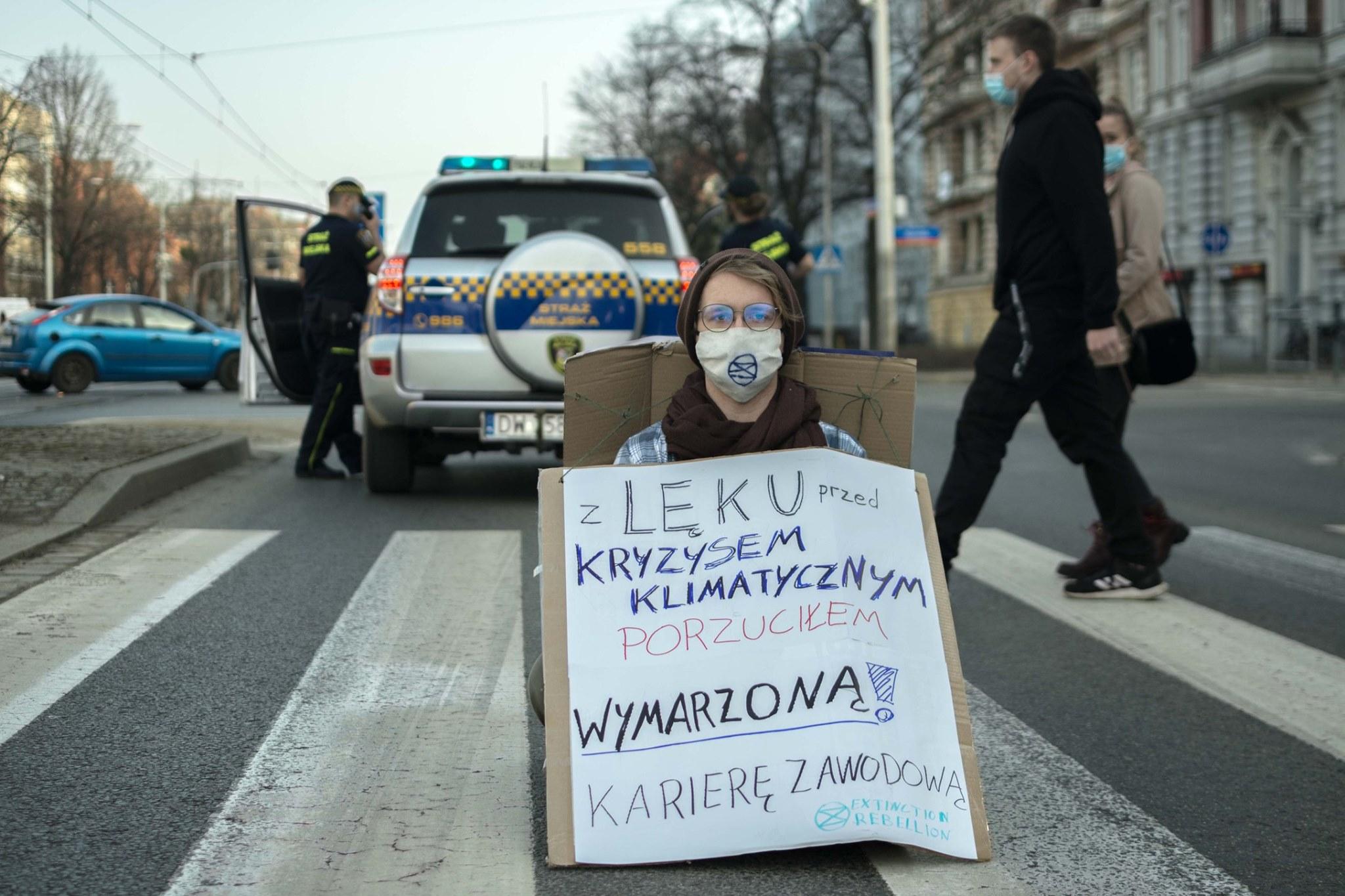 Protesty przeciwko katastrofie klimatycznej