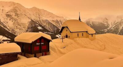 Surrealistyczny widok w Alpach