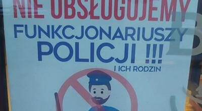 kontrowersyjny plakat w burgerowni