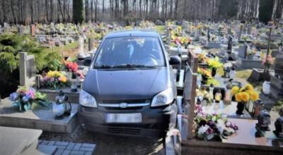 Wjechał samochodem na cmentarz