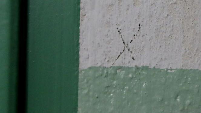 znaki na klatkach schodowych