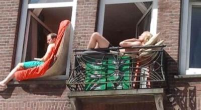 Opalanie się na balkonie