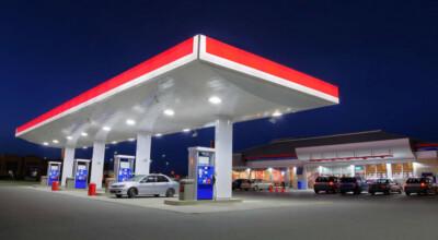 8 złotych za litr benzyny