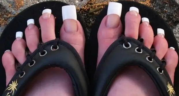 paznokcie u stóp